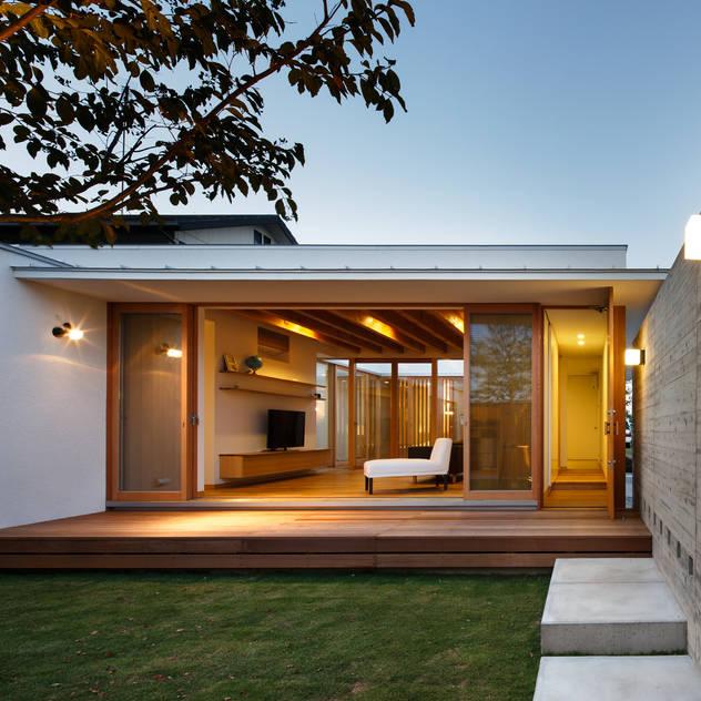 Vườn phong cách châu Á bởi 窪江建築設計事務所 Châu Á