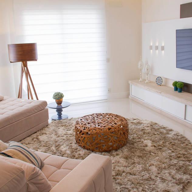 Projeto de Arquitetura de Interiores - Sala de Estar: Salas de estar ecléticas por Sarah & Dalira