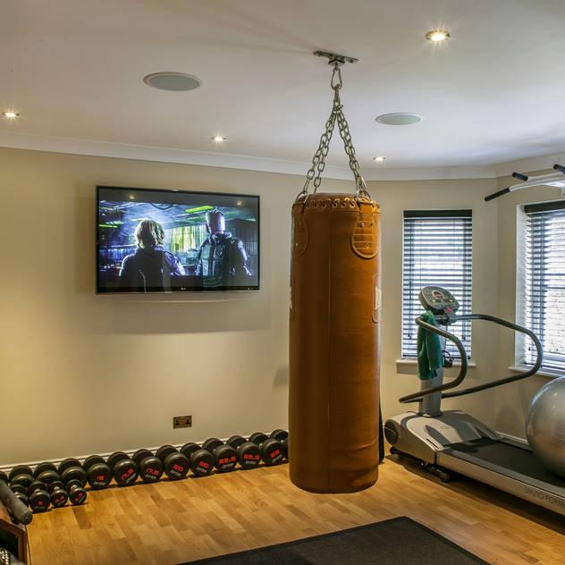 Hata Smart Home Phòng tập phong cách hiện đại bởi Finite Solutions Hiện đại