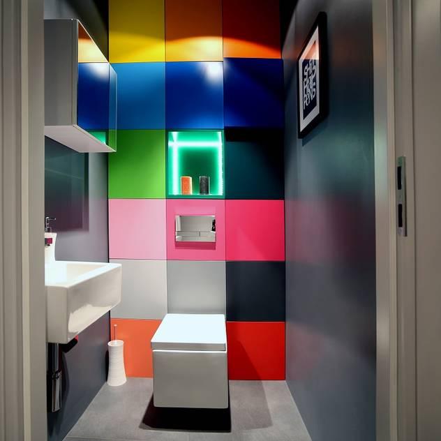 Phòng tắm phong cách hiện đại bởi INSPACE Hiện đại