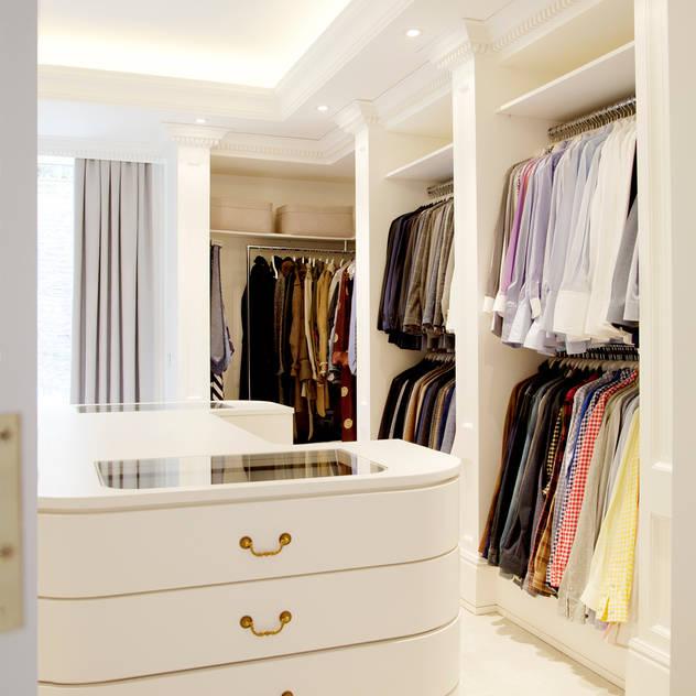 Kerim Çarmıklı İç Mimarlık – Çubukluvadi Evi : modern tarz Giyinme Odası