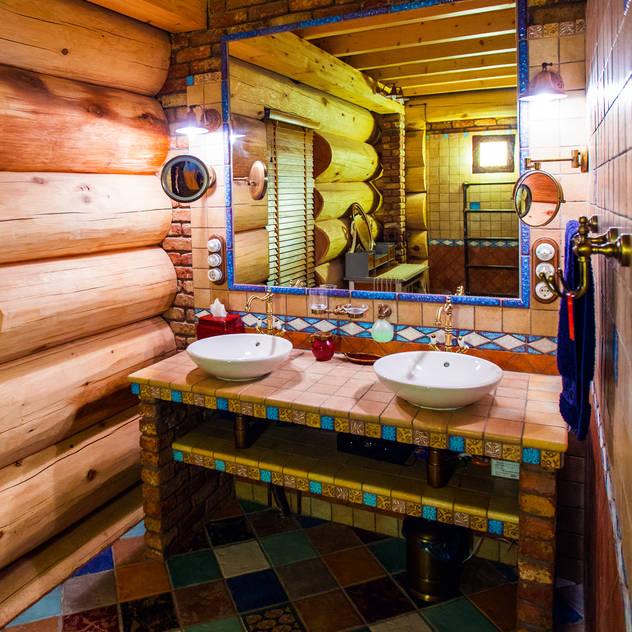 rustic Bathroom by Роял Вуд