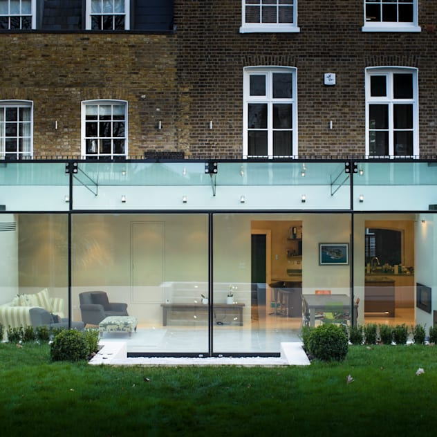 Barnes London; Culmax Glass Box Extension: modern Houses by Maxlight