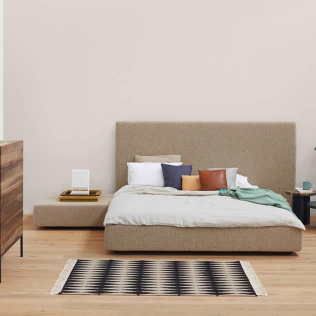 Bed PARDIS Phòng ngủ phong cách hiện đại bởi e15 Hiện đại