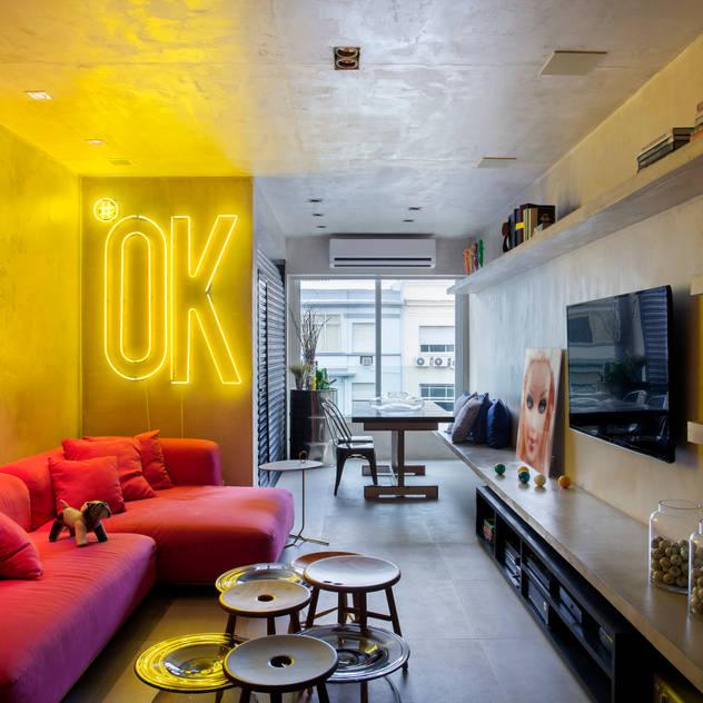 MM apartment Salas de estar industriais por Studio ro+ca Industrial