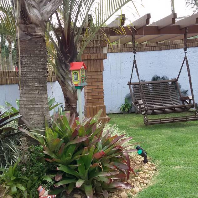 Vườn phong cách mộc mạc bởi Kauer Arquitetura e Design Mộc mạc