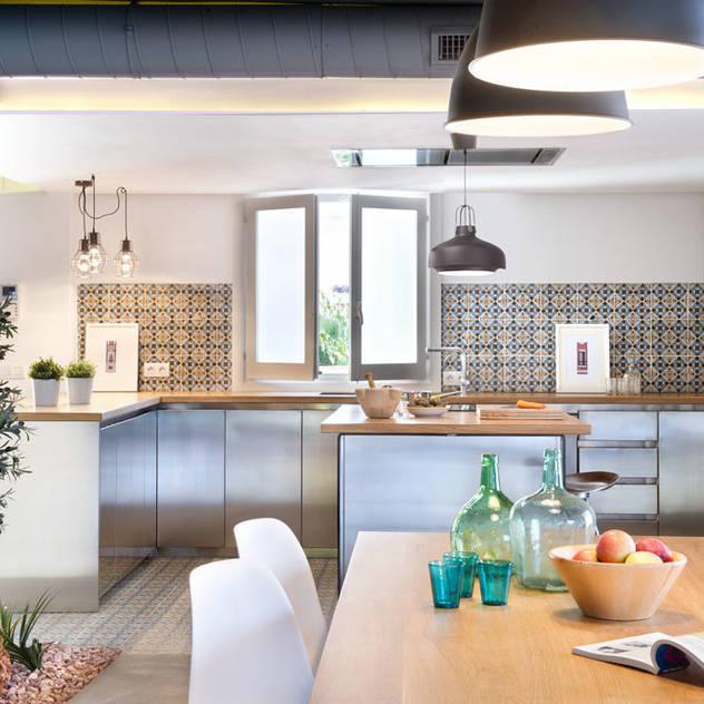 Nhà bếp phong cách hiện đại bởi Egue y Seta Hiện đại