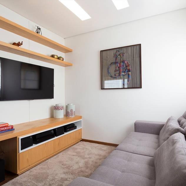 Haruf Arquitetura + Design Phòng giải trí phong cách hiện đại