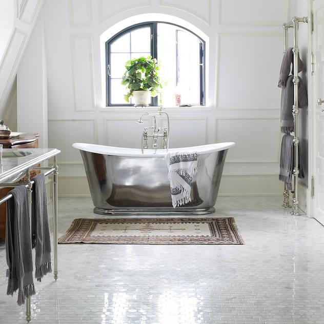 Drummonds Case Study: European Retreat, Denmark: scandinavian Bathroom by Drummonds