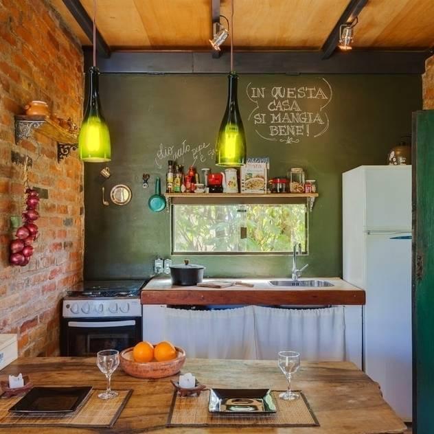 Cozinhas rústicas por Ferraro Habitat