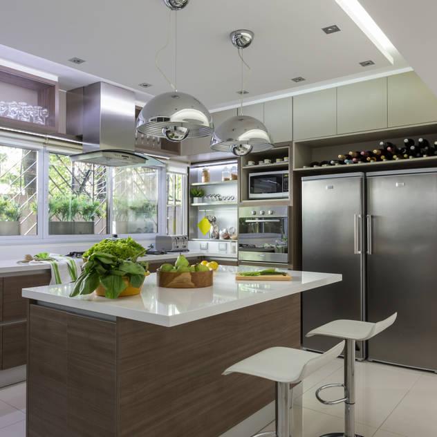 Kitchen by GUTMAN+LEHRER ARQUITECTAS
