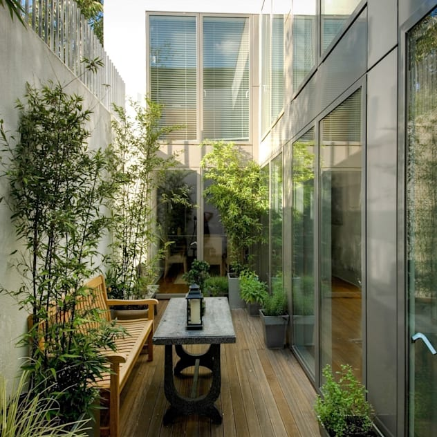 New House, Fulham, London: modern Garden by Groves Natcheva Architects