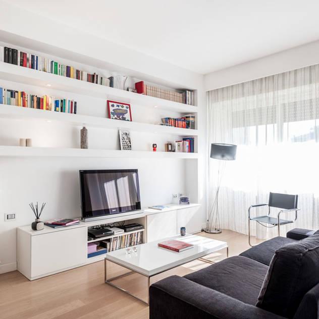 Phòng khách phong cách tối giản bởi Paolo Fusco Photo Tối giản