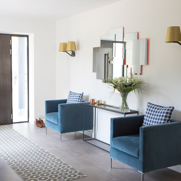 Private Residence, Surrey Modern corridor, hallway & stairs by Nice Brew Interior Design Modern