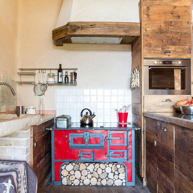 rustic Kitchen by RI-NOVO
