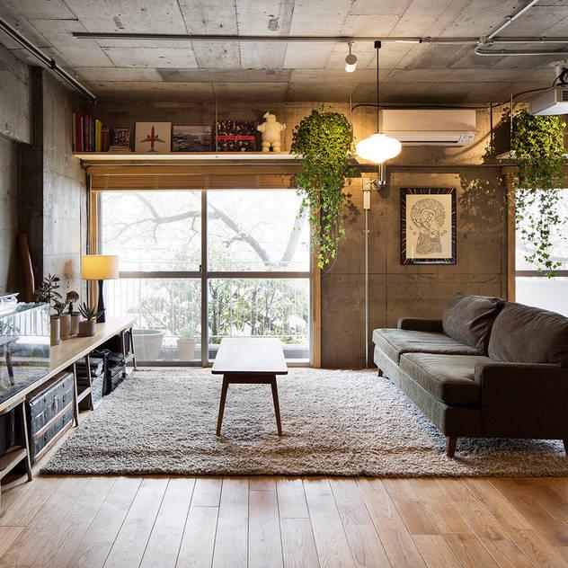 ห้องนั่งเล่น by 松島潤平建築設計事務所 / JP architects