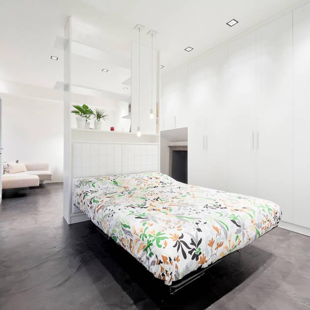 minimalistic Bedroom by 23bassi studio di architettura