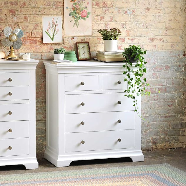 Chantilly White Bedroom Furniture: country Bedroom by The Cotswold Company