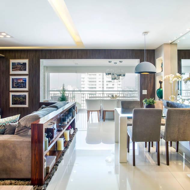 Ambientes Integrados Salas de estar ecléticas por Adriana Pierantoni Arquitetura & Design Eclético