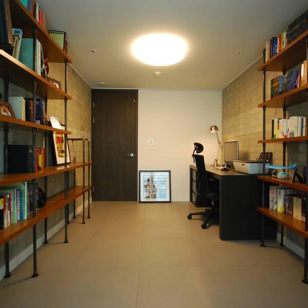 (주)바오미다: modern tarz Çalışma Odası