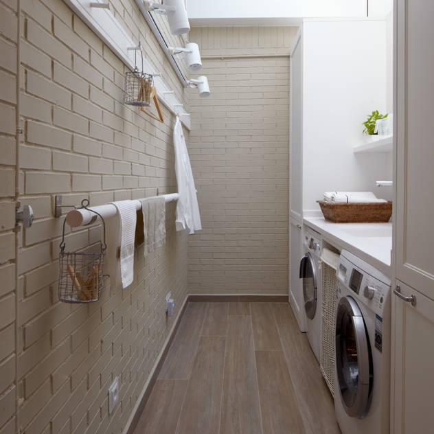 Nhà bếp phong cách chiết trung bởi DEULONDER arquitectura domestica Chiết trung