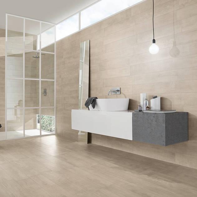 Phòng tắm bởi Love Tiles Công nghiệp