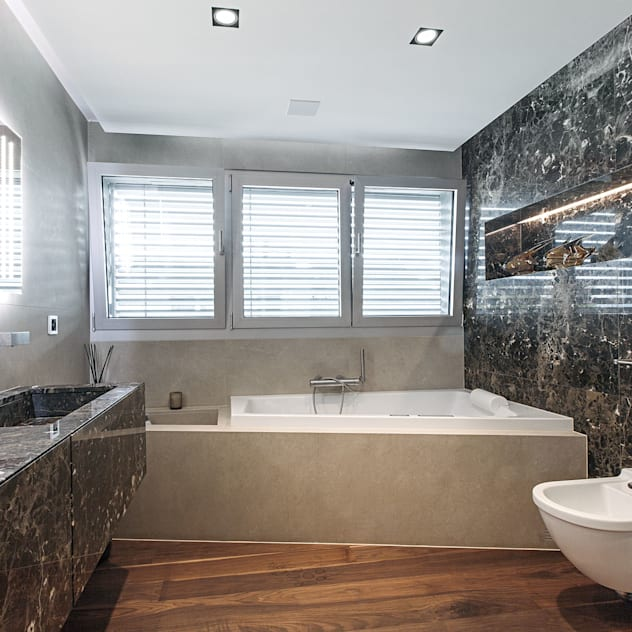 studiodonizelli Modern bathroom Marble
