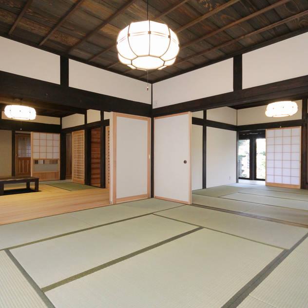 和室: 吉田建築計画事務所が手掛けた和室です。