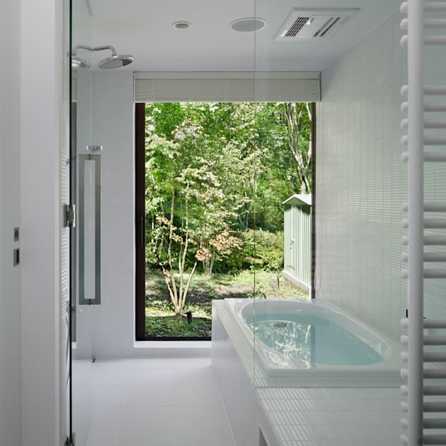 浴室~037軽井沢 I さんの家: atelier137 ARCHITECTURAL DESIGN OFFICEが手掛けたスパです。