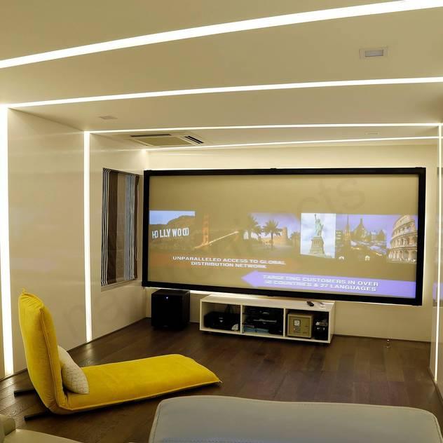 NA ARCHITECTS Phòng giải trí phong cách hiện đại