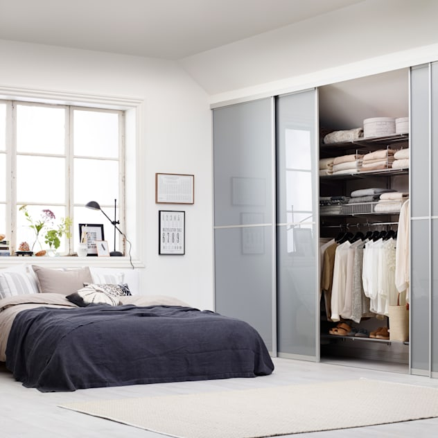 Phòng ngủ phong cách hiện đại bởi Elfa Deutschland GmbH Hiện đại Ly