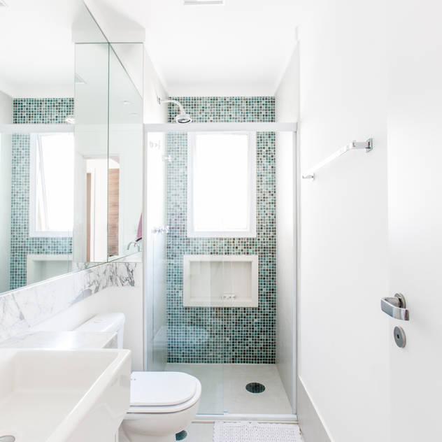 modern Bathroom by Paula Carvalho Arquitetura