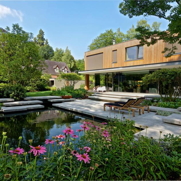 Vườn phong cách hiện đại bởi Jaap Sterk Hoveniers Hiện đại Bê tông