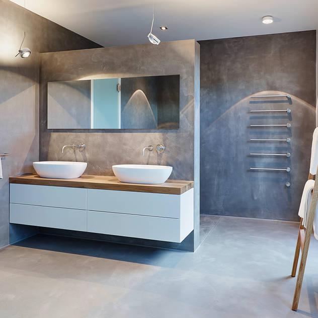 Phòng tắm phong cách hiện đại bởi HONEYandSPICE innenarchitektur + design Hiện đại