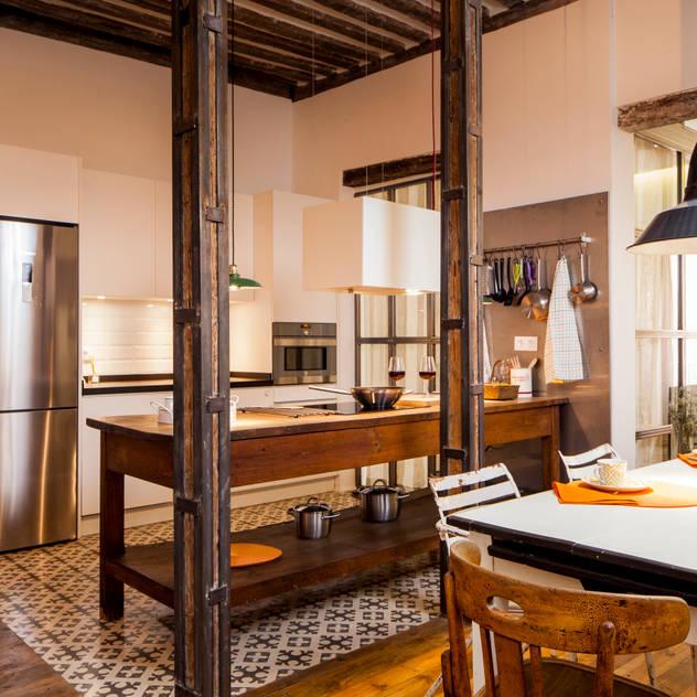 Nhà bếp phong cách mộc mạc bởi The Sibarist Property & Homes Mộc mạc