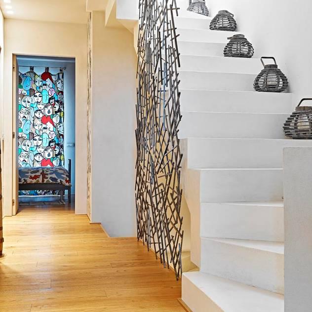 Hành lang, sảnh & cầu thang phong cách tối giản bởi Opera s.r.l. Tối giản