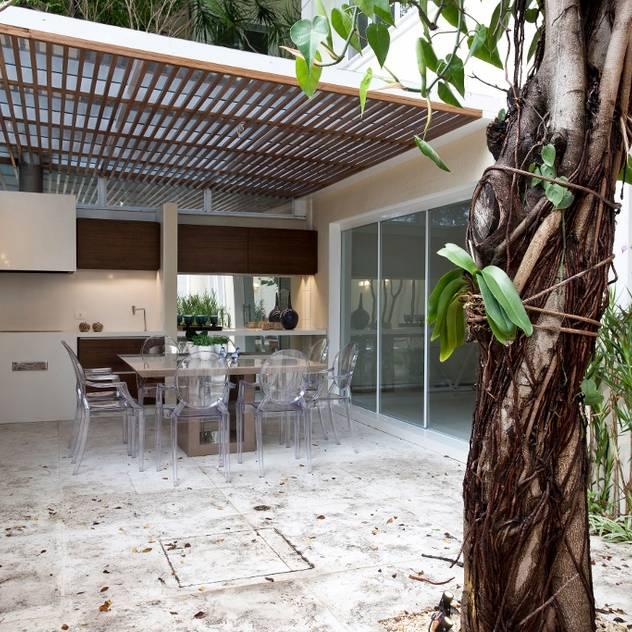 Espaço Gourmet - Ville Bosquée: Terraços por Aonze Arquitetura
