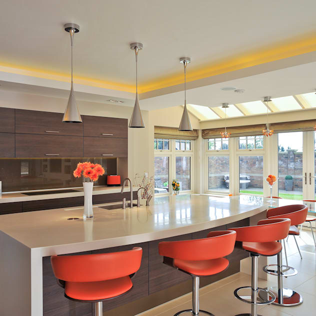 Beech Kitchen: modern Kitchen by Diane Berry Kitchens