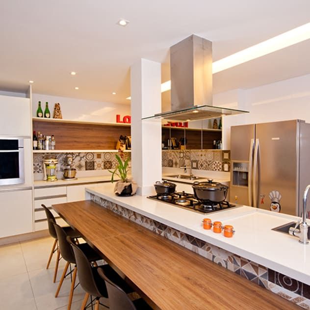 modern Kitchen by Adoro Arquitetura