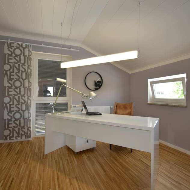 Musterhaus Falkenberg 139 Phòng học/văn phòng phong cách hiện đại bởi Skapetze Lichtmacher Hiện đại