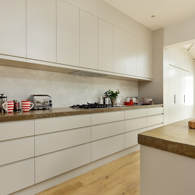 KITCHENS: The Ladbroke: modern Kitchen by Cue & Co of London