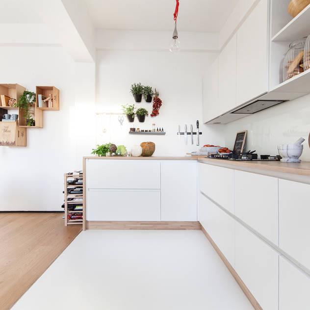 Cocinas de estilo minimalista de Didonè Comacchio Architects