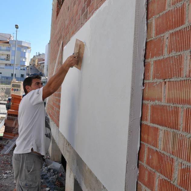 Tường & sàn phong cách hiện đại bởi FRAMASA CONSTRUCTORA DEL NOROESTE SLU Hiện đại