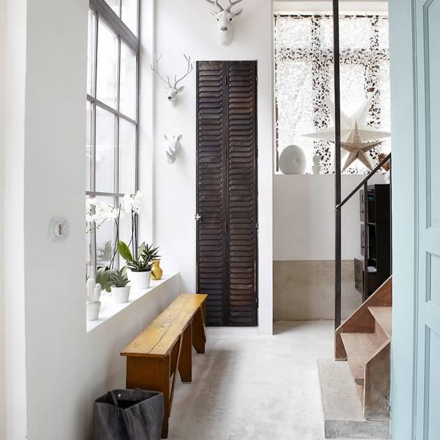 Hành lang, sảnh & cầu thang phong cách công nghiệp bởi Design for Love Công nghiệp
