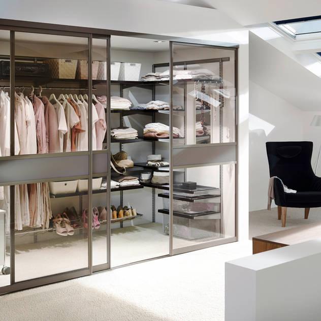 Phòng thay đồ phong cách kinh điển bởi Elfa Deutschland GmbH Kinh điển