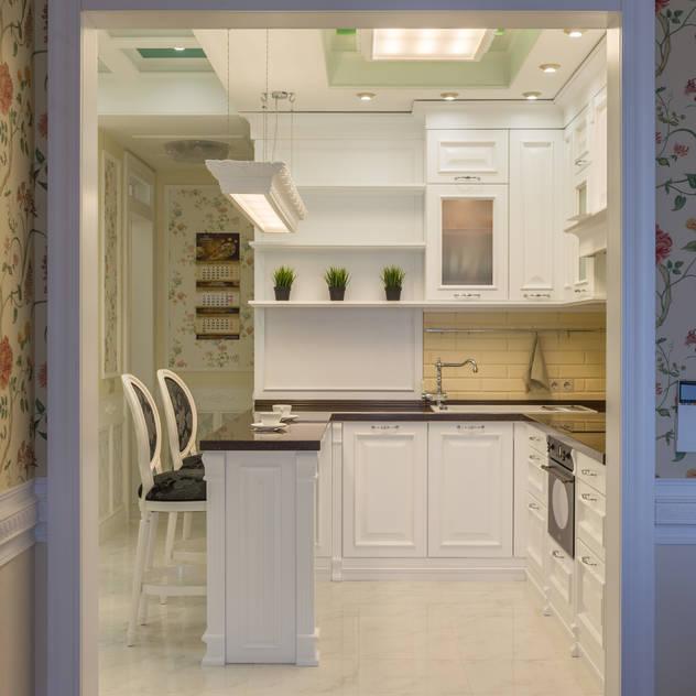 Cucina in stile classico di Bellarte interior studio Classico
