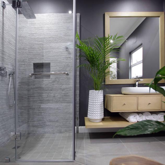 Phòng tắm phong cách chiết trung bởi JSD Interiors Chiết trung Gỗ Wood effect