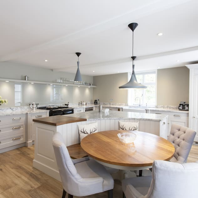Pentlow Grand - Bespoke kitchen project in Suffok by Baker & Baker Classic