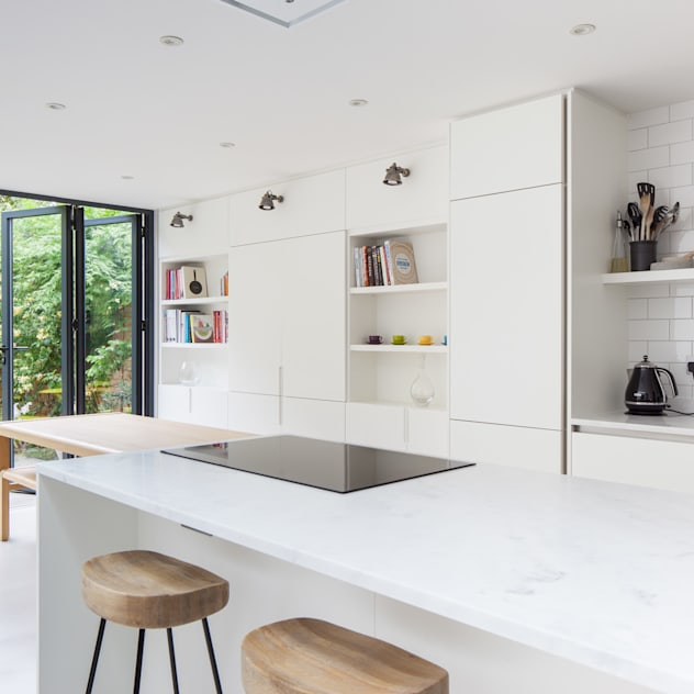kitchen: modern Kitchen by Thomas & Spiers Architects