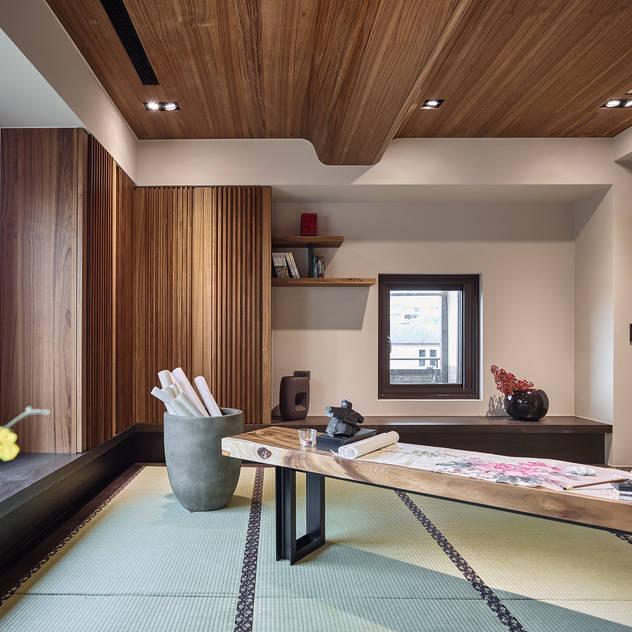 Phòng học/văn phòng phong cách châu Á bởi DYD INTERIOR大漾帝國際室內裝修有限公司 Châu Á